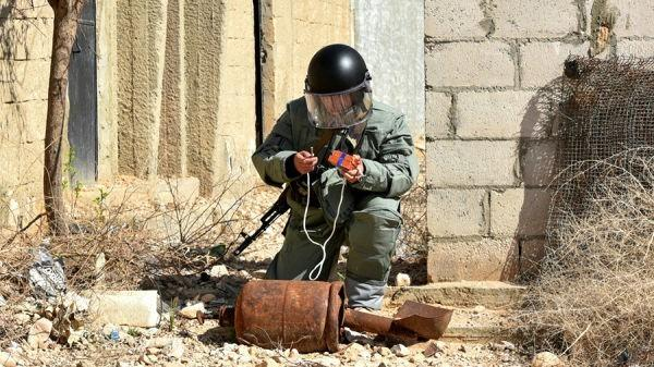 Российские саперы в Сирии получили уникальные «космические» хладожилеты