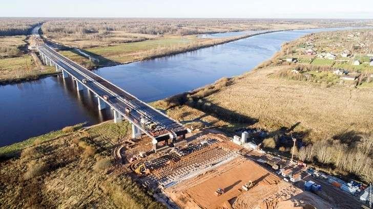 Строительство моста через Волхов натрассе М-11
