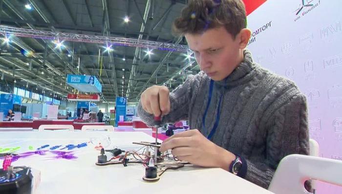 В Екатеринбурге стартовал чемпионат среди молодых специалистов WorldSkills Hi-Tech 2017