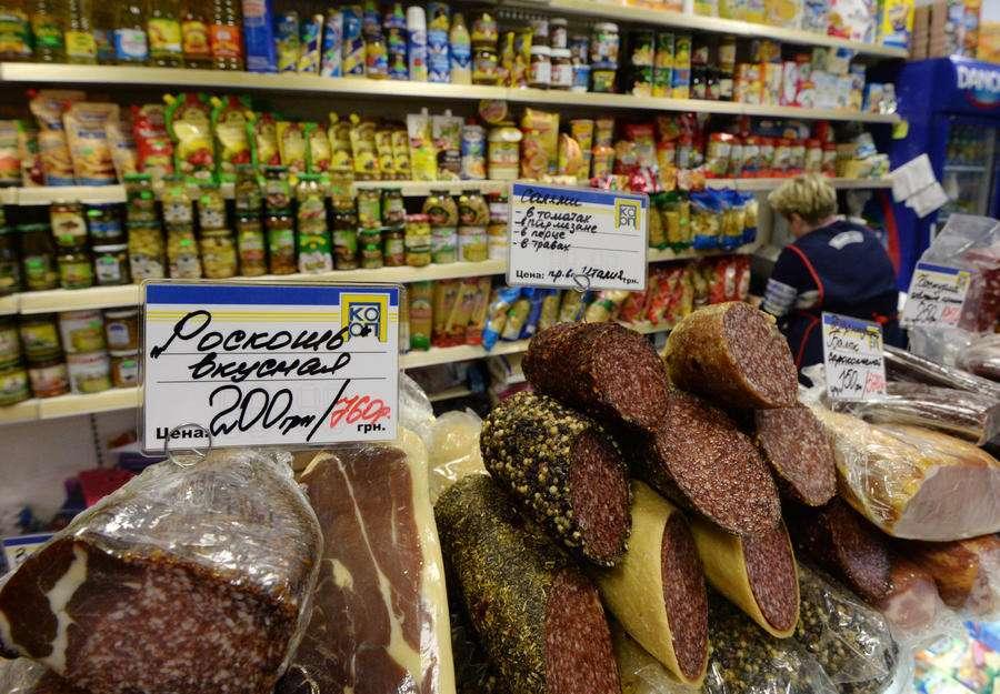 Депутаты обяжут магазины заполнять ассортимент российскими продуктами