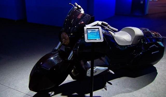 Владимиру Путину представили тяжёлый мотоцикл проекта «Кортеж»