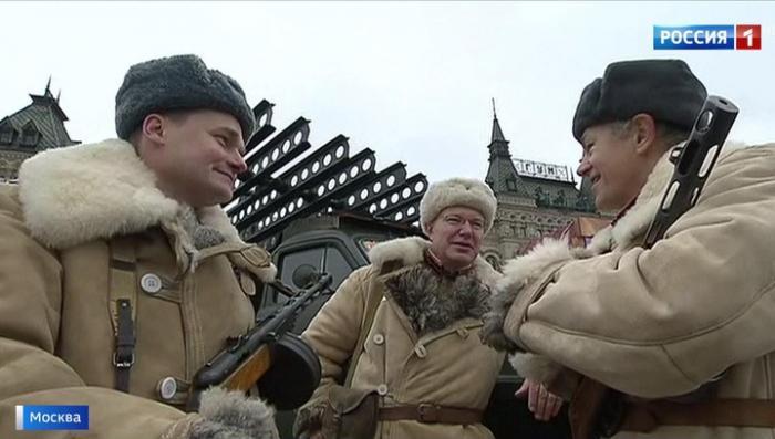 В Москве состоялся торжественный марш в честь 76-й годовщины легендарного парада 1941 года