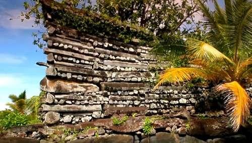 Кто построил удивительные древние города на искусственно созданных островах?