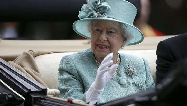 Зачем глобалист Сорос вскрыл офшор английской королевы?