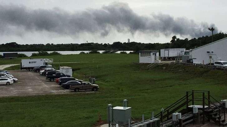 Двигатель ракеты Сокол 9 взорвался в ходе тестового запуска