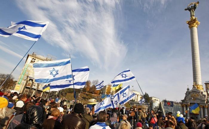 Украинские нацисты бегут батрачить в Израиль, а евреи их депортируют