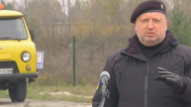 Кровавый пастор Турчинов пообещал украинцам расстрелы за сотрудничество с Россией