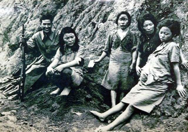 Сексуальными рабынями в японской армии во время Второй Мировой Войны