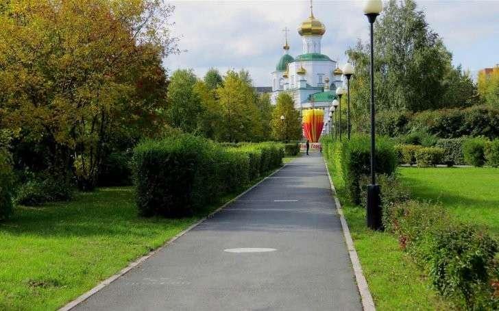 Одно из самых популярных мест отдыха в Тюмени – сквер Депутатов.  Mankuta / Wikimapia.org