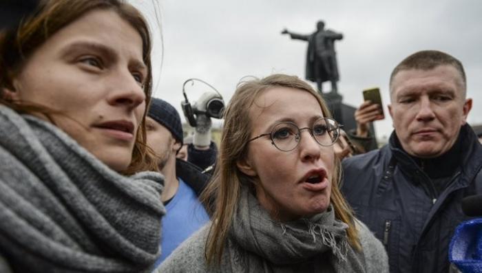 Петербург: Ксюшу Собчак освистали свои же либералы на митинге
