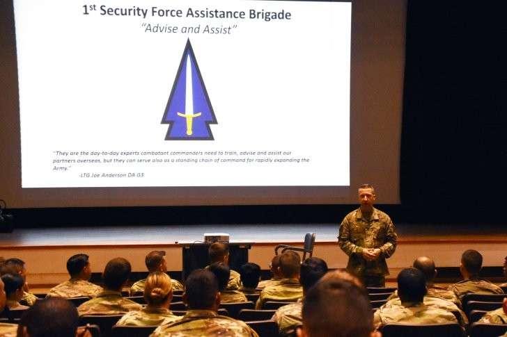 США активно готовятся воевать руками чужих армий и ЧВК