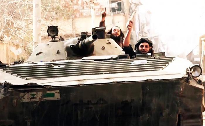 США перебрасывают террористовИГ из Сирии в Африку