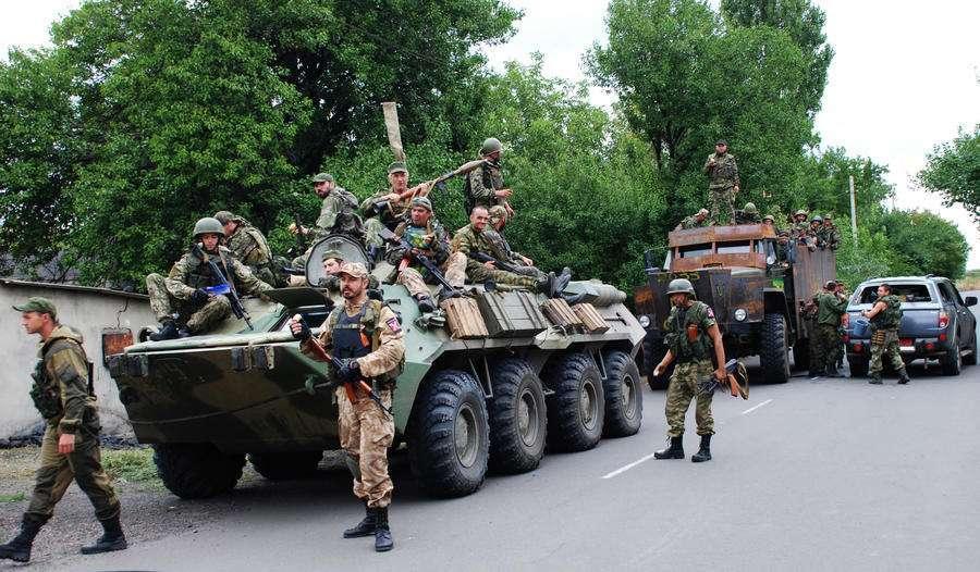 Журналисты не нашли в Новоазовске «призрачную российскую армию»