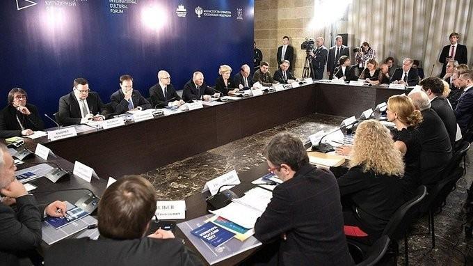 Владимир Путин провёл совещание поподдержке талантливой молодёжи всфере искусства