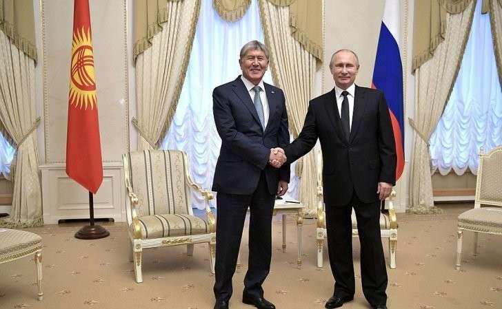 СПрезидентом Киргизской Республики Алмазбеком Атамбаевым.