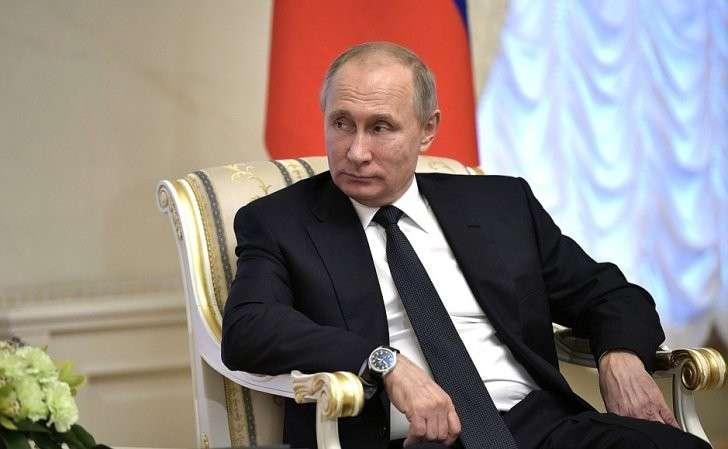 Входе встречи сПрезидентом Киргизской Республики Алмазбеком Атамбаевым.