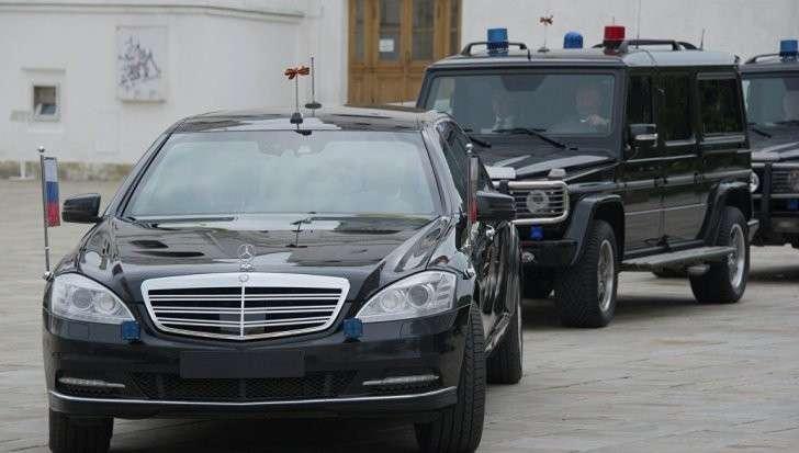 Дмитрий Песков сообщил о 60 ложных звонках о бомбах на пути кортежа Владимира Путина