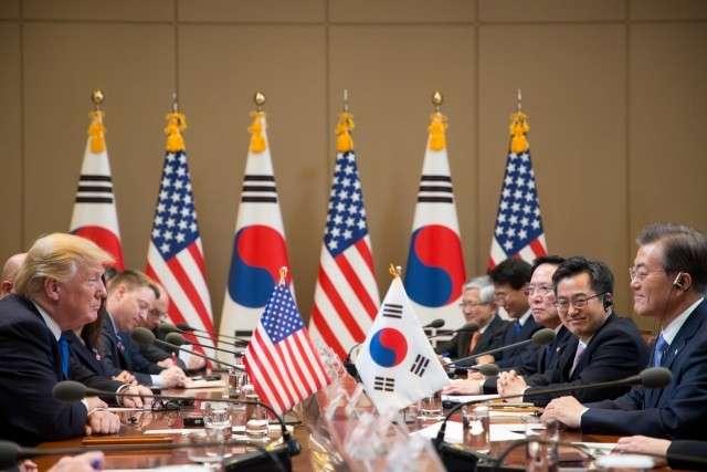 Дональд Трамп в Сеуле