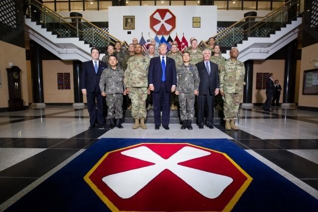 Холодная война США с Китаем объявлена. Азиатское турне Дональда Трампа