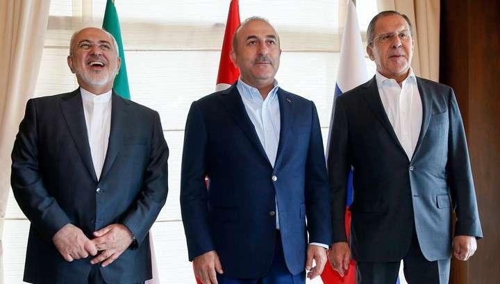 Сергей Лавров рассказал об итогах встречи с главами МИД Ирана и Турции