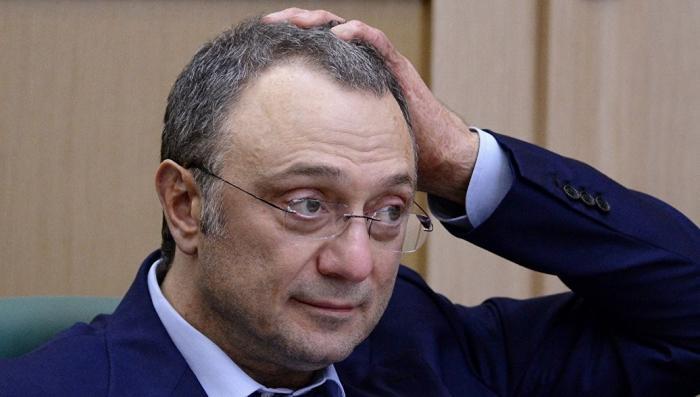 Эммануэль Макрон: задержан олигарх Сулейман Керимов, пользующийся дипиммунитетом России