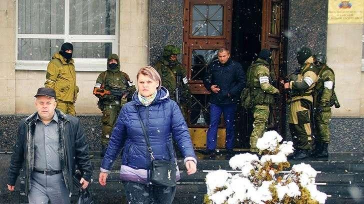 Появилось видео штурма Генеральной прокуратуры ЛНР