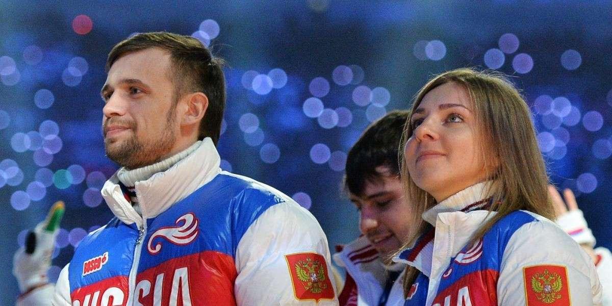 У спортсменов без объяснений забирают медали только за то, что они жители России