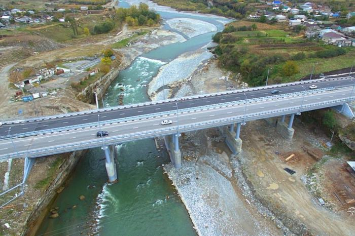 В Карачаево-Черкесии после масштабной реконструкции открыт мост через Кубань