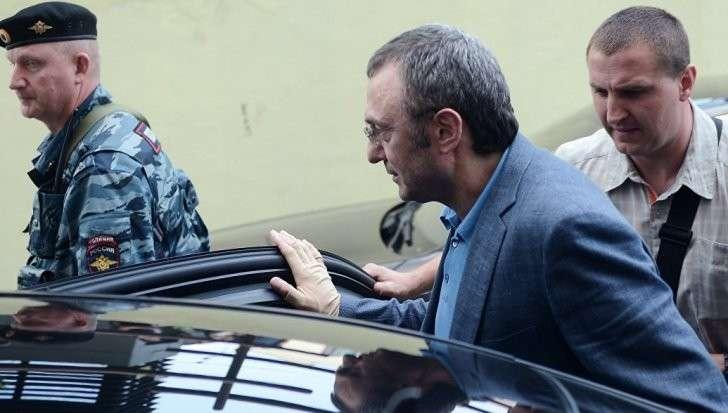 Владимир Путин предупреждал олигархов. К судьбе арестованного во Франции Керимова