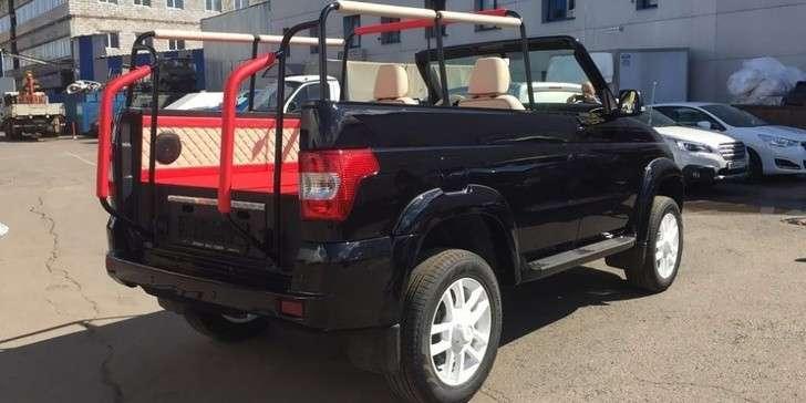 УАЗ выпустил парадный кабриолет набазе внедорожника Patriot