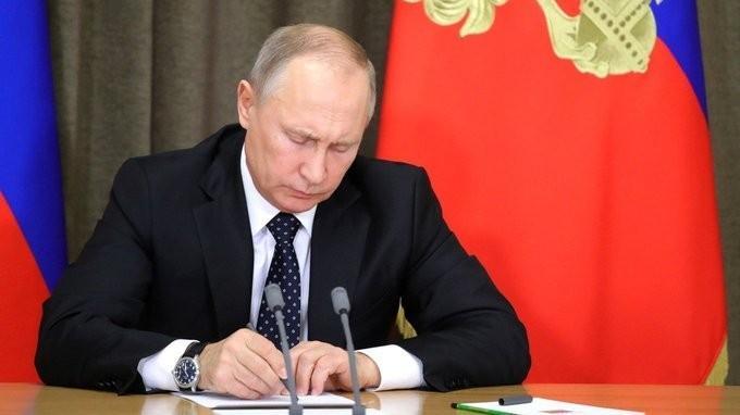Владимир Путин провёл совещание повопросам переоснащения Вооружённых Сил