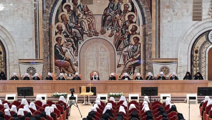Архиерейский собор отложил решение по признанию останков царской семьи