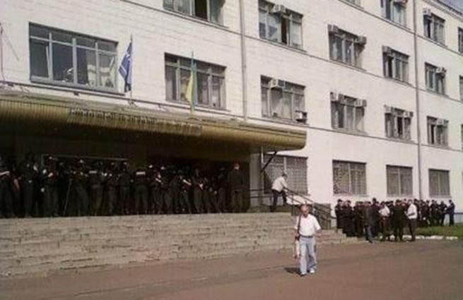 В Киеве происходит рейдерский захват завода «Антонова»