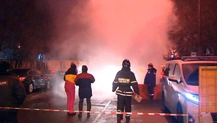 Авария на теплотрассе в Москве: шесть человек пострадали, 2 тыс домов остались без тепла