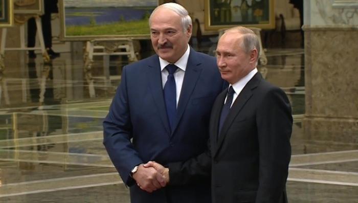 Владимир Путин прилетел в Минск на саммит Организации договора о коллективной безопасности
