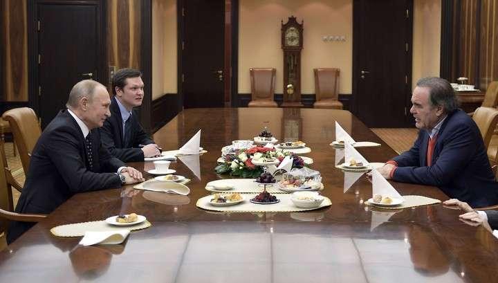 Владимир Путин встретился в Кремле с кинорежиссером Оливером Стоуном
