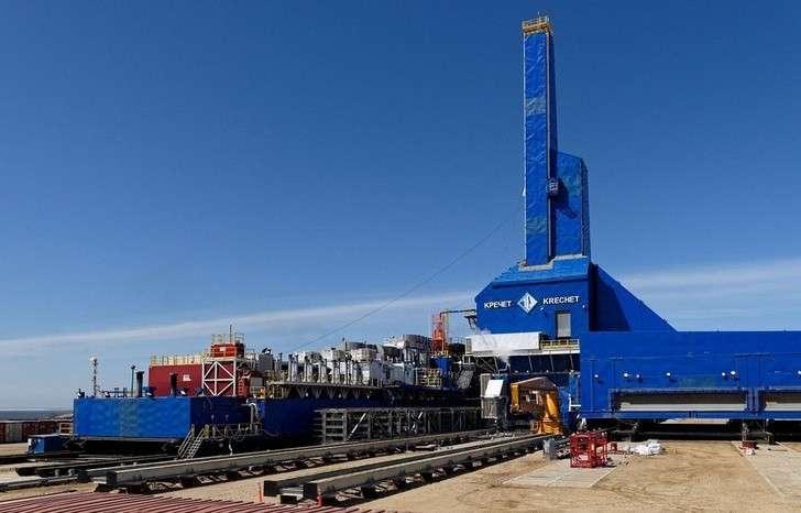 «Роснефть» начала бурение 1-й добычной скважины сроссийской наземной буровой установки «Кречет»