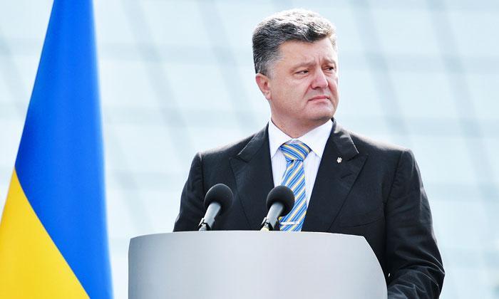 Самозванец Порошенко запросил мира