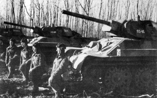 Танки Т-34 с 76мм орудием