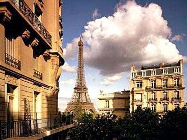 Французы считают себя нищими. Жизнь от зарплаты до зарплаты