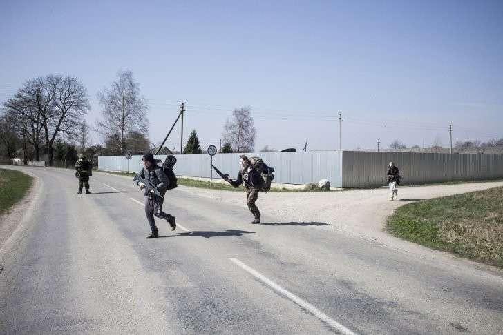 Детей Латвии, Литвы, Эстонии готовят к войне с Россией