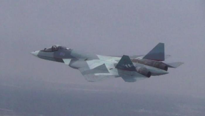 Появилось видео первого полёта истребителя Су-57 с новым двигателем