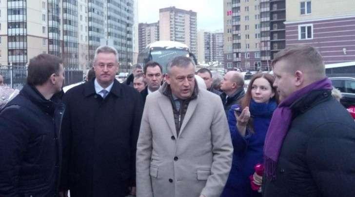 Петербург, КАД. Проезд губернатора по ближнему ЗаКАДью