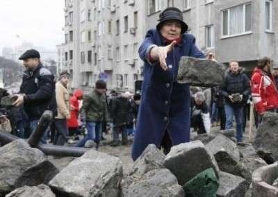 Анархия и сумасшедший дом. Немцы обвиняют Россию и Порошенко в киевском бардаке