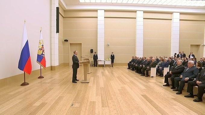 Владимир Путин вручил государственные награды сотрудникам корпорации «Ростех»