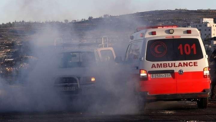 140 палестинцев пострадали в столкновениях с израильскими военными