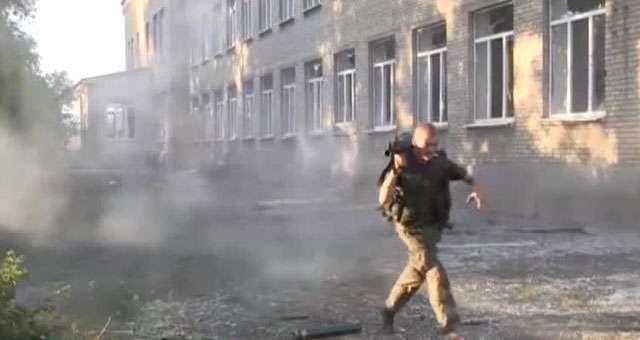 Украинские ополченцы начали штурм Мариуполя