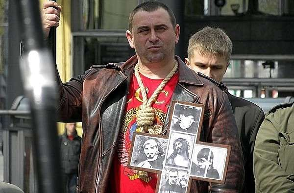 Максим Калашников всё ещё в поисках своего уникального конца