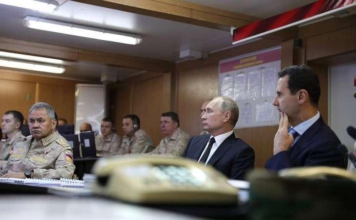 Владимир Путин иБашар Асад заслушали доклад командующего группировкой войск исил Российской Федерации вСАР оходе операции поосвобождению Сирии оттеррористов.