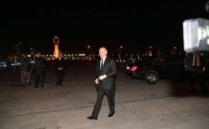 Владимир Путин прибыл врезиденцию Президента Турецкой Республики.
